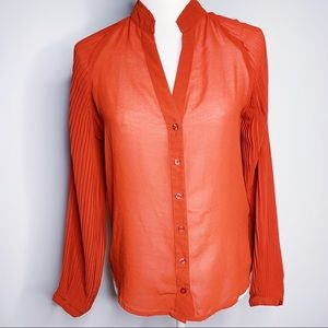 NWOT Bebe Button Down Top